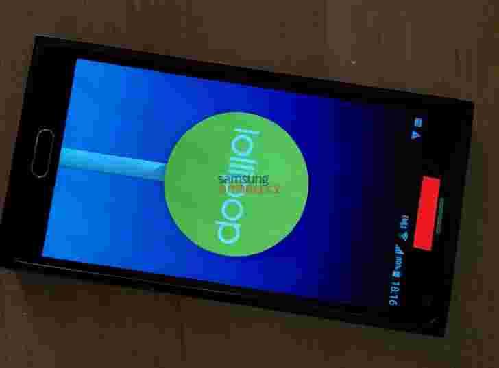 三星Galaxy Note 5 Prototype据称在现场照片中弹出