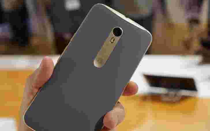 交易:购买64GB Moto X Pure Edition并免费获取Moto 360(2014)